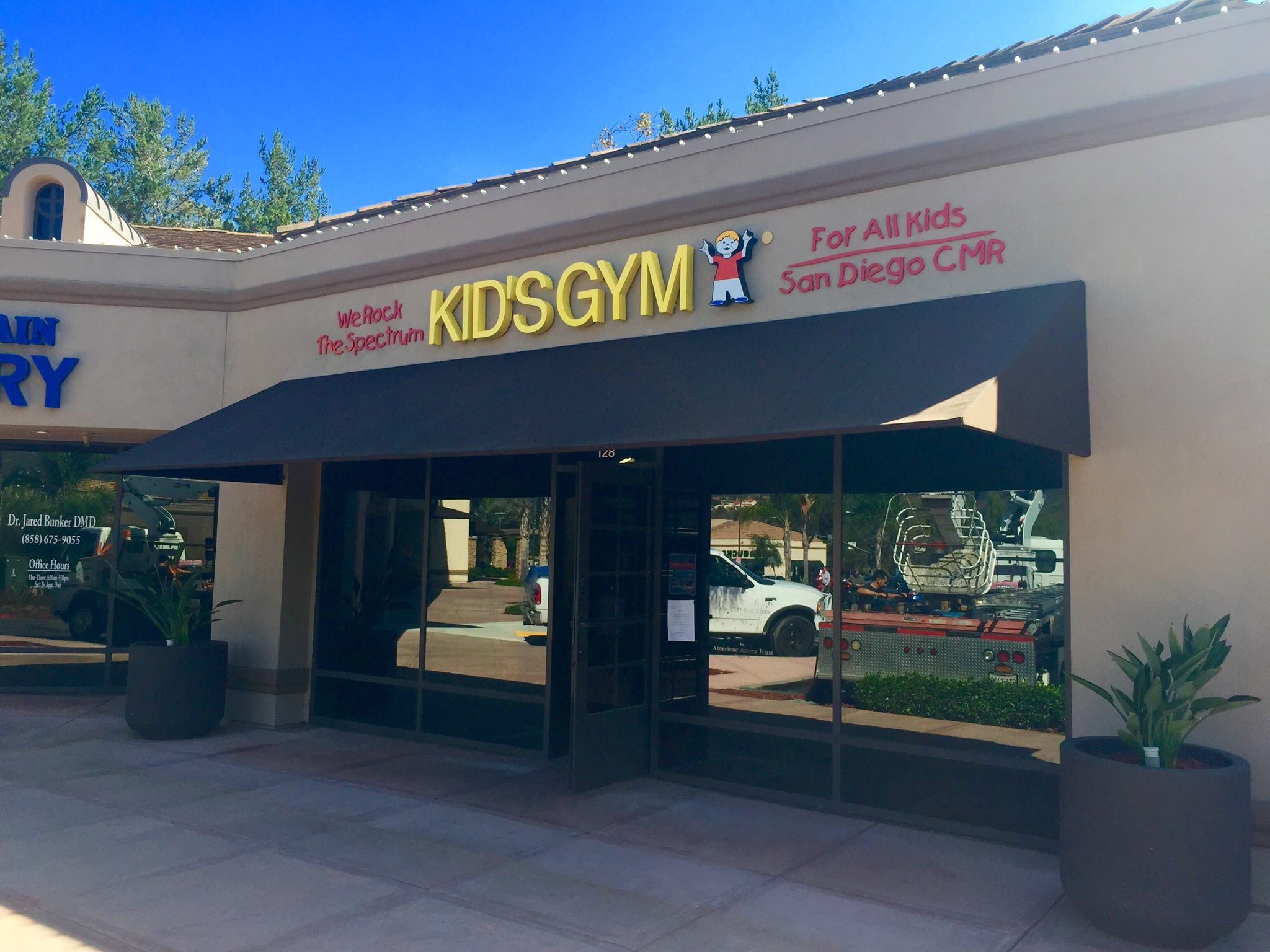 We Rock the Spectrum Kid's Gym - San Diego, CMR logo